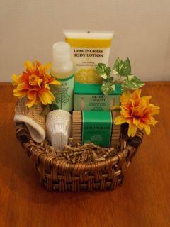 New Lemongrass Aromatherapy Holiday Spa Gift Basket