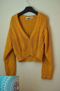 Vintage Mustard Yellow Gold Cable Knit Cropped Vneck Sweater Cardigan