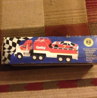 1995 Plastic Getty Toy Race Stock Car Carrier Truck