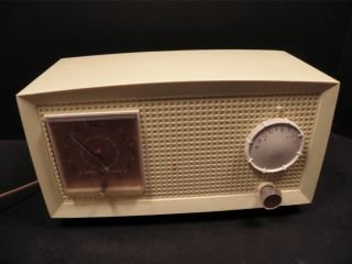 GENERAL ELECTRIC G E TUBE AM Clock RADIO VINTAGE RETRO yellow PLASTIC