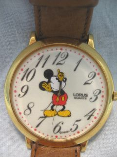 RARE VINTAGE MICKEY MOUSE LORUS WATCH WITH LARGE GLOW IN THE DARK FACE