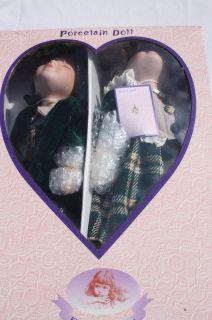 VINTAGE PORCELAIN DOLLS GOLDENDALE COLL KISSING BOY & GIRL NEW IN BOX