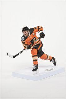 Claude Giroux Philadelphia Flyers NHL Series 32 Pre Order McFarlane