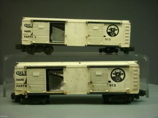 OF 2 AMERICAN FLYER S GAUGE 973 GILBERTS OPERATING MILK CAR FOR PARTS