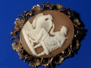 Antique Victorian 15ct Gold Cameo Grapevine Brooch