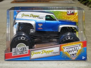 Brand New Hot Wheels Monster Jam 1 24 Grave Digger Legend VHTF