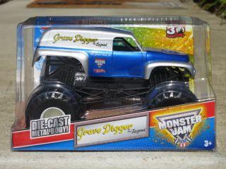 Brand New Hot Wheels Monster Jam 1 24 Grave Digger Legend VHTF