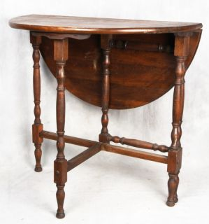 L136P Antique American Walnut Drop Leaf Gate Leg Table