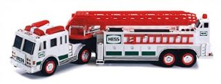 Hess 2000 Hook & Ladder Truck*New*Mint Condition*In Original Box