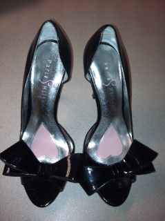 Paris Hiltons Black Patent Leather Open Toes w Bow