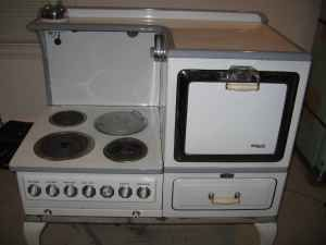 Vintage GE Hotpoint Electric Range Stove Oven Edison Pick up in MA NO