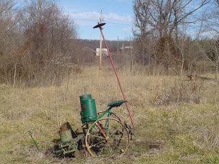 * Antique JOHN DEERE CORN PLANTER Horse drawn Pull type vintage farm