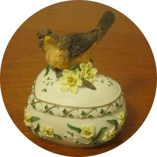 Heritage House Music Box Trinket Box with Bird Sing A Song Music Box