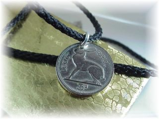 COIN JEWELRY IRISH RABBIT HARP 3 PENCE SILVERTONE COIN PENDANT ON FREE