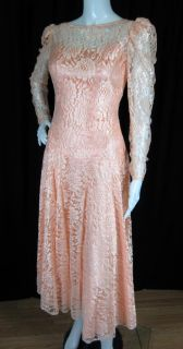 Vintage 1980s Does 20s Flapper Style Peach Lace Prom Party Wedding