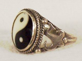 Vintage Sterling Yin Yang w Faux Ivory Onyx Ring