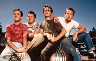 River Phoenix Kiefer Sutherland Jerry OConnell Signed x8 Stand by Me