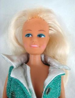 1970s Fashion Doll Blonde Hair Blue Eyes Made in Hong Kong 11