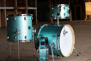 Exclusive Gretsch Catalina Club Jazz Drum Set Teal Glass Glitter Free