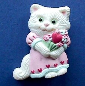 Day PIN White KITTY CAT w HEART Vintage Jewelry Holiday Lapel BROOCH
