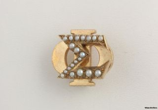 Vintage Genuine Pearl Sigma PHI Badge 10K Yellow Gold Fraternity Pin