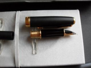 PARKER SONNET FOUNTAIN PEN MATT BLACK WITH GOLD TRIM IN ORIGINAL BOX PAPERS