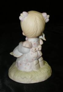 "1980 Enesco "" God Is Love "" Porcelain Precious Moments Figurine E 5213 w Box 