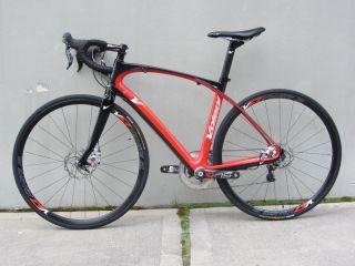 Volagi Liscio 55 cm Disc Brake Road Bike in Excellent Condition