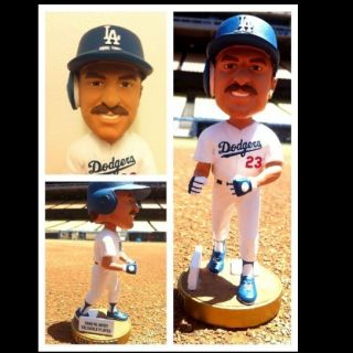 ARM BOBBLES TOO!! ** Kirk Gibson 2012 LA Dodgers Bobble Bobblehead SGA