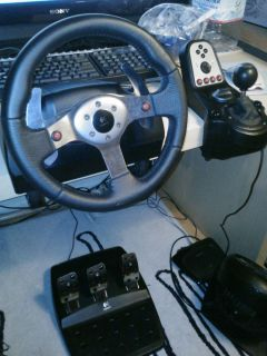 Logitech G25 Racing Wheel PS3/PC + Need For Speed Shift 2 Unleashed