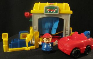 Fisher Price Little People Car Wash Gas Service Station Tow Truck and
