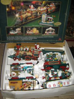 New Bright Holiday Express Animated Christmas Train No 387 1996