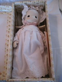 Precious Moments Katie Lynne Porcelain Doll E 0539
