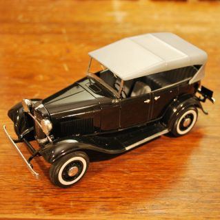 AMT ERTL 1932 32 Ford Phaeton Street Customs Plastic Model Car Built