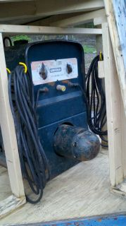 Lincoln Pipe liner SA 200 F 162 DC arc welder generator on enclosed