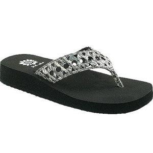 Yellow Box Flip Flop Sandals Maida Grey Gray Women 9