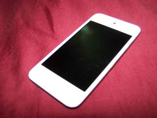 Apple iPod Touch 4th Generation 8GB White Great Condition