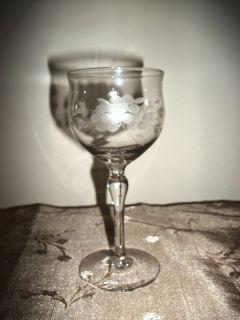 Vinage Eched Champagne ec Glass
