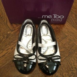 Me Too Lil Chanel Color White Black Size 9M