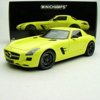 18 Minichamps Mercedes Benz SLS AMG 6 3 2010 Lemon Yellow 100039022