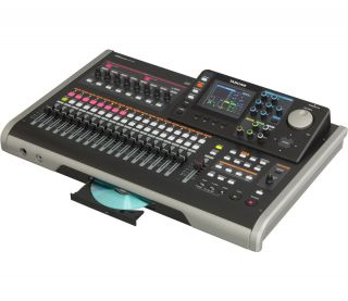 TASCAM DP 24   24 Track Digital Portastudio Recorder w/CD Burner DP24
