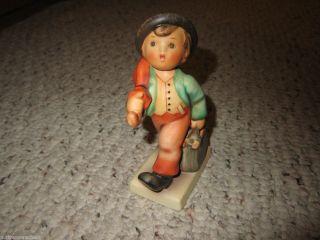 Hummel Goebel Merry Wanderer Figurine 11
