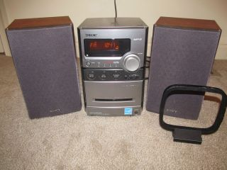 Sony Micro Hi Fi Stereo System CD AM FM Tape  2 Sony speakers CMT