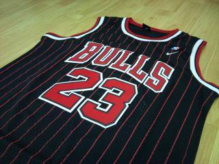 Michael Jordan Chicago Bulls NBA jersey size Small black pin stripe