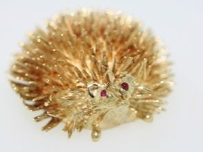 Signed H C 14k Yellow Gold Hedgehog Pin Brooch with Ruby Eyes