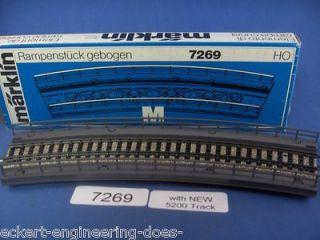 EE 7269 NEW Marklin HO M Bridge Ramp with NEW 5200 Big Radius Curve