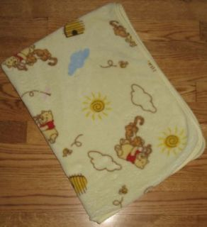 Blanket Winnie The Pooh & Tigger Bee Hives Light Green Plush Lovey