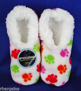 SNOOZIES NWT Womens Slippers Fuzzy WHITE DOG CAT PAW PRINTS Slipper No