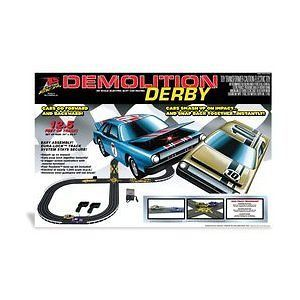 Life Like Demolition Derby Elec. Slot Car Race Set NEW
