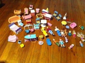 ... Lot Of 52 Little Tikes Doll Play House Dollhouse Furniture People ...